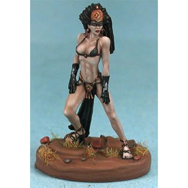 Dark Sword Miniatures - Parkinson Masterworks - Black Witch