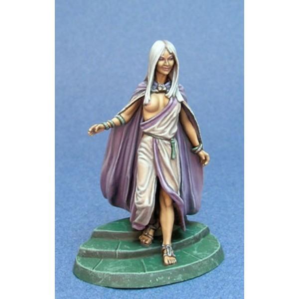 Dark Sword Miniatures - George R. R. Martin Masterworks - Daenerys in Traditional Garb